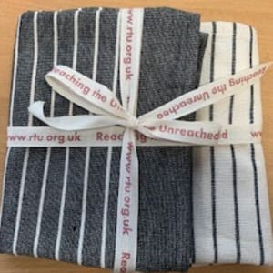 Organic cotton tea towels in slate grey/white