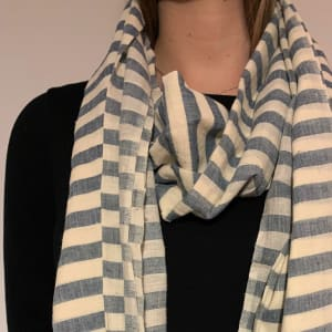 Organic cotton scarf in blue/natural